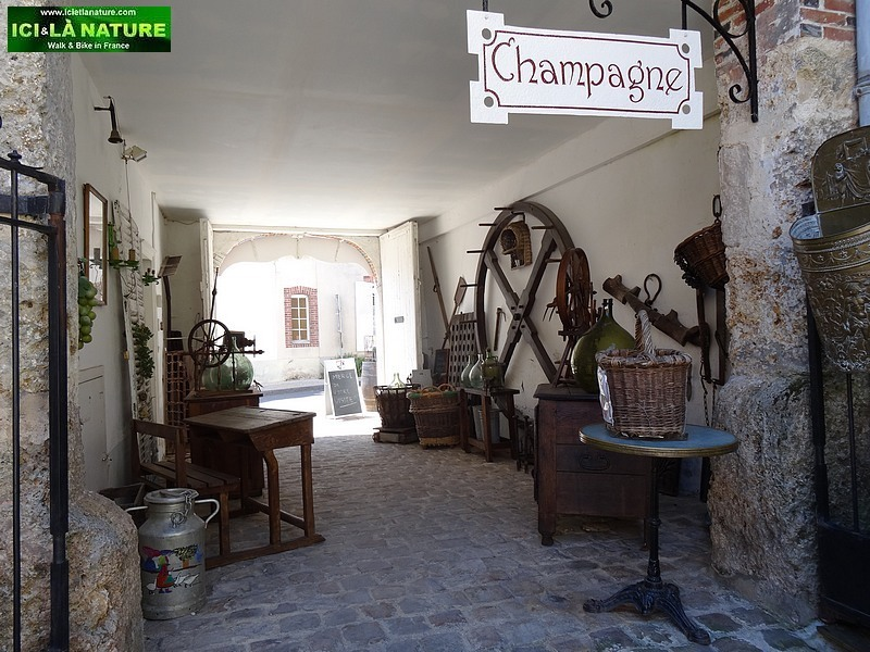 40-antiquites champagne