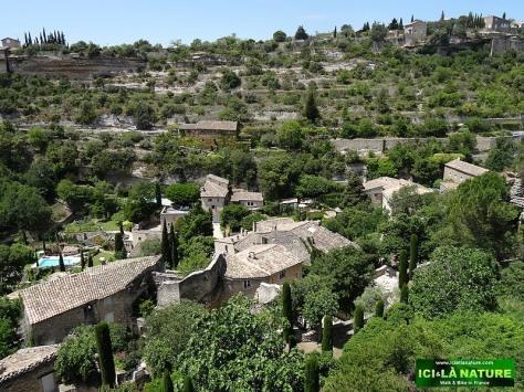 40-travel provence landscape gordes