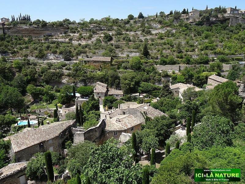 40-travel provence landscape gordes