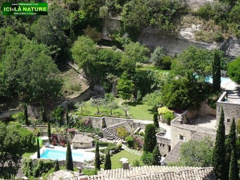 41-provence landscape travel gordes