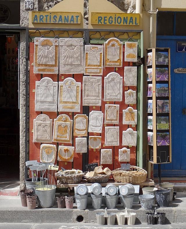 44-souvenirs shop provence