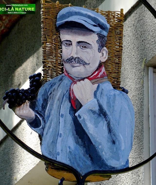 44-vine grower iron sign chamapgne
