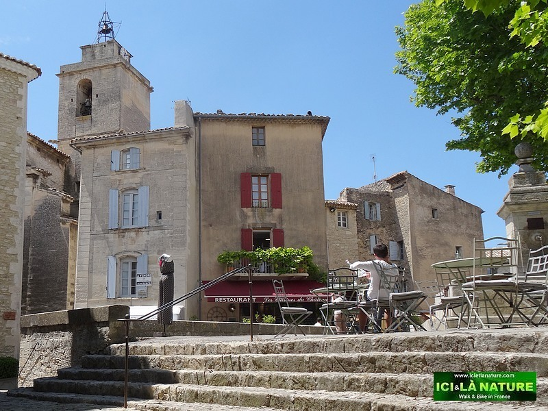 45-travel provence holidays gordes