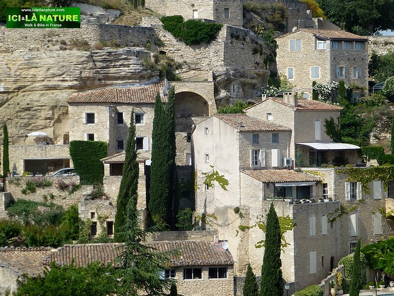 53-hill top village provence gordes