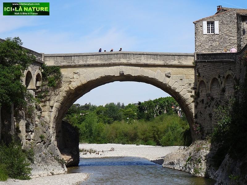 56-provence roman bridge vaison