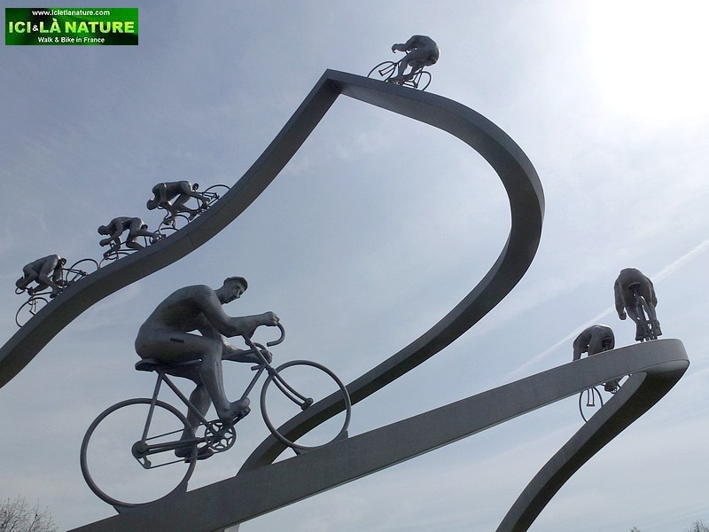 07-tour de france riders