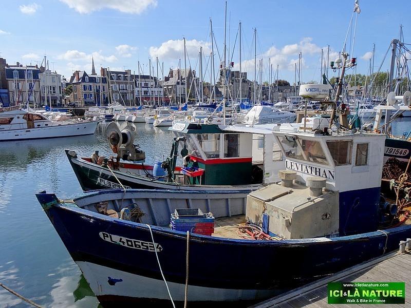 27-port de paimpol harbour brittany