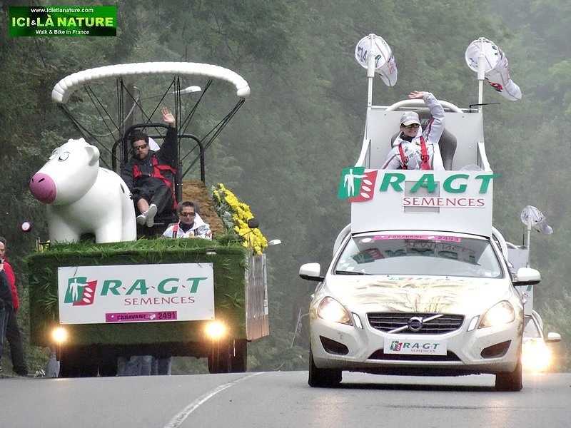 28-image publicity fleet of tour de france 2014