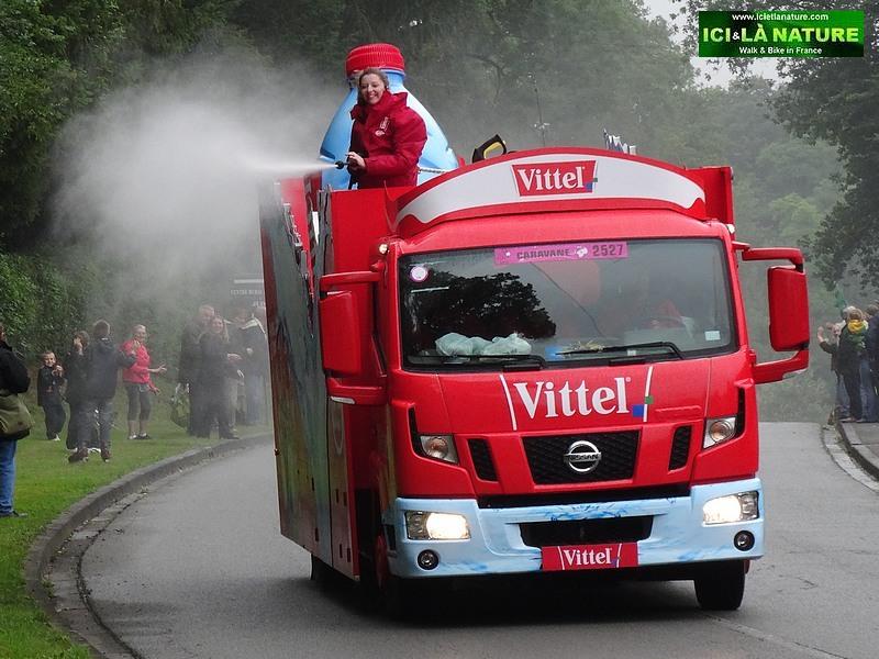 35-image publicity caravan tour de france 2014