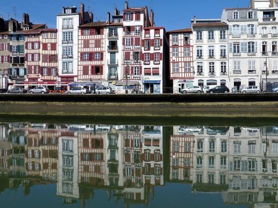 64-bayonne pays basque