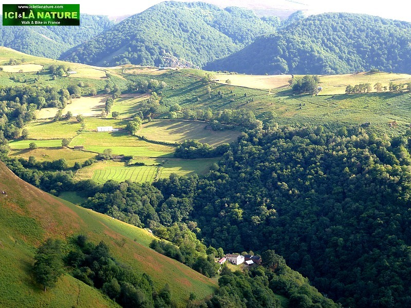 77-basque country mountains