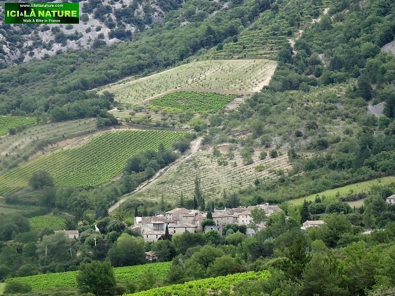 02-landscape provence village