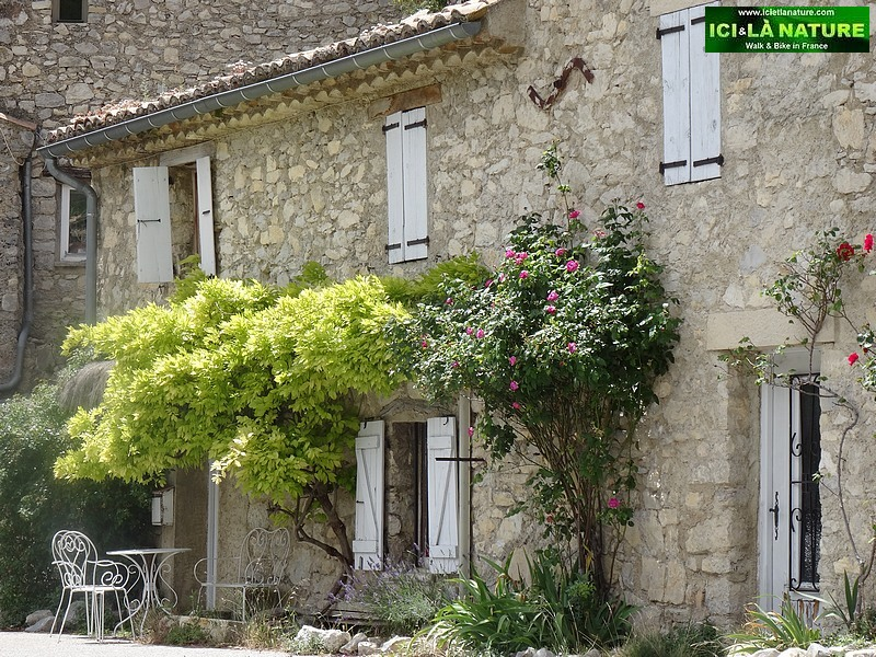 15-house provence village vaucluse