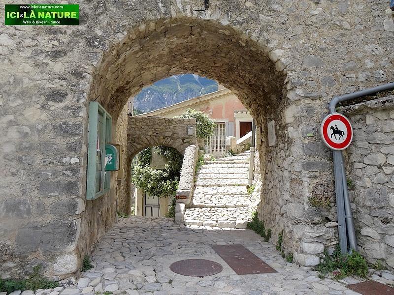 16-old door provence