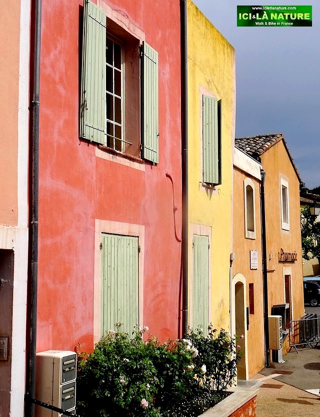 22-colors houses roussillon provence 2