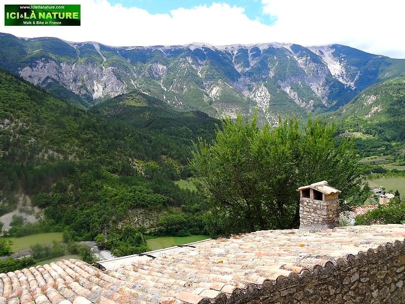 24-mountain france provence