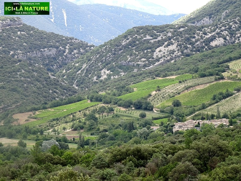 53-provence mountain france landscape
