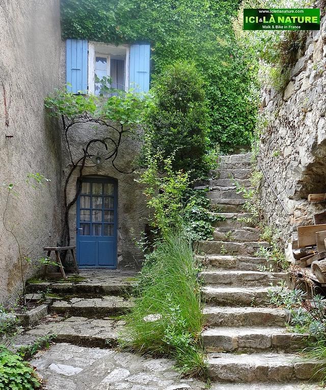 50-brantes hilltop provence village
