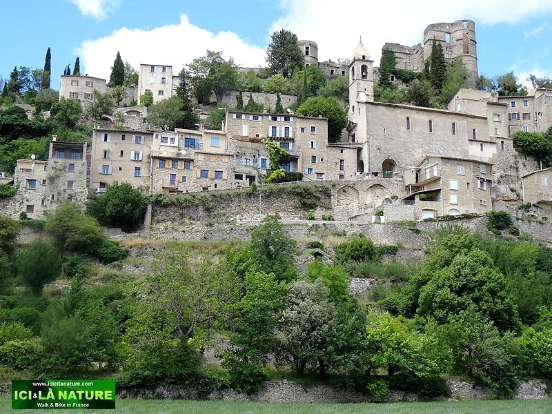 55-plus beau village france mountbrun les bains provence