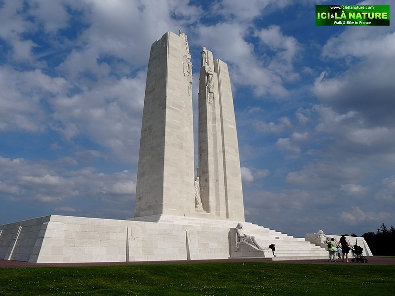 15-canadian first world war memorial in france