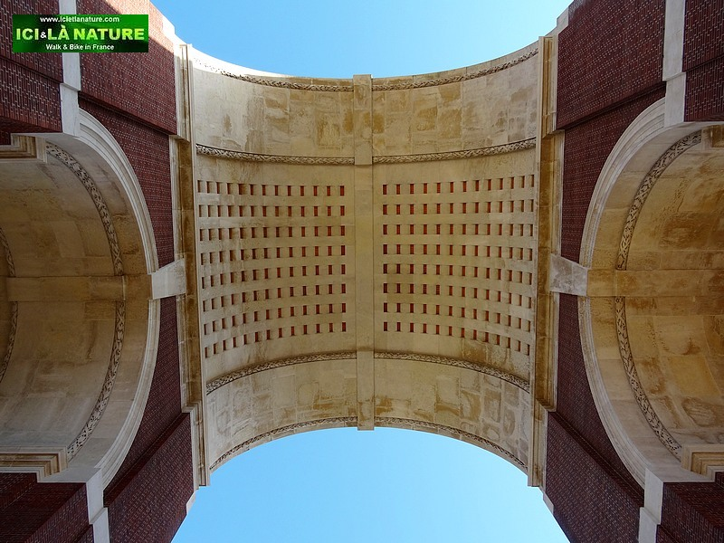49-tommies misssing somme 1914-1918 thiepval