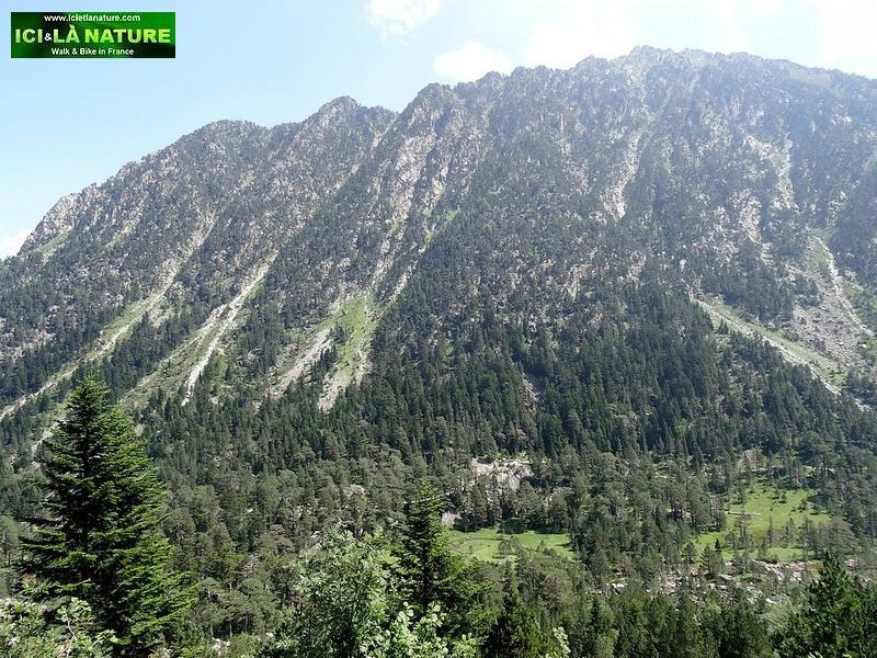 18-climbing mountains france pyrenees