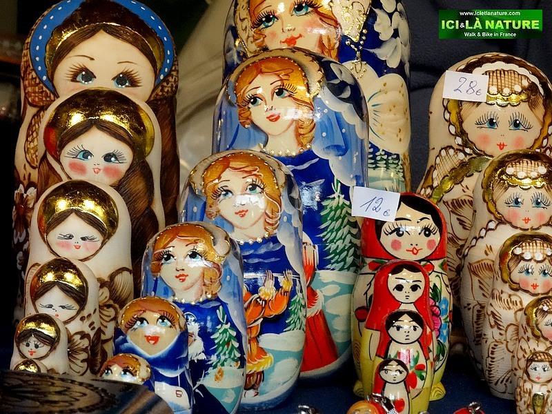 19-poupées russes marché de Noel