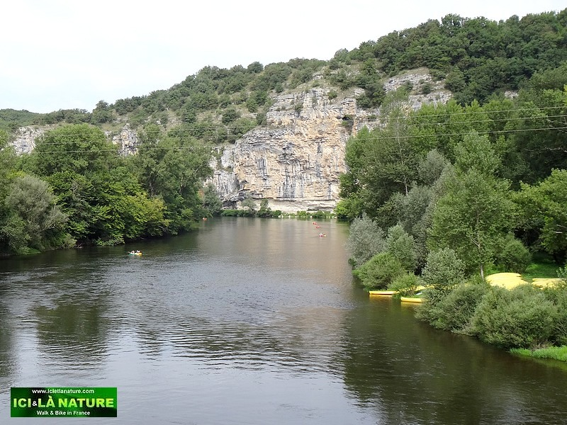 28-hiking holidays dordogne river perigord