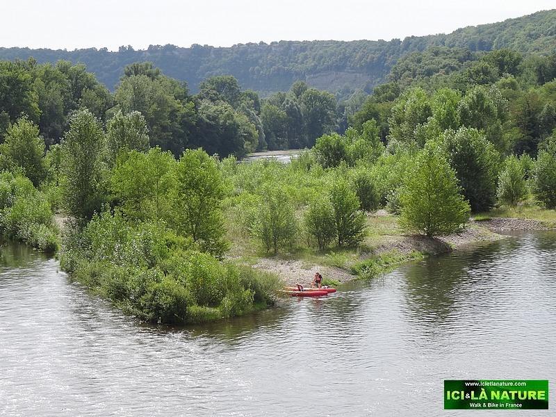 32-walking holidays dordogne valley perigord