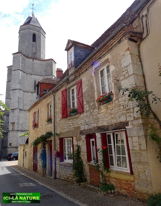 43-walking tours in dordogne perigord