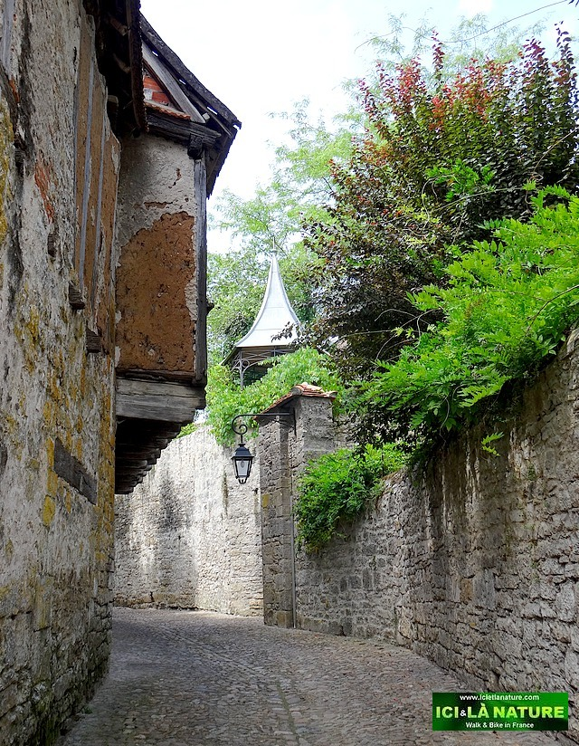 46-walking paths in dordogne