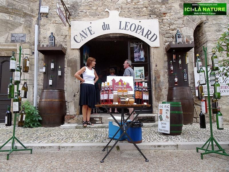 49-hike and bike holidays in france dordogne