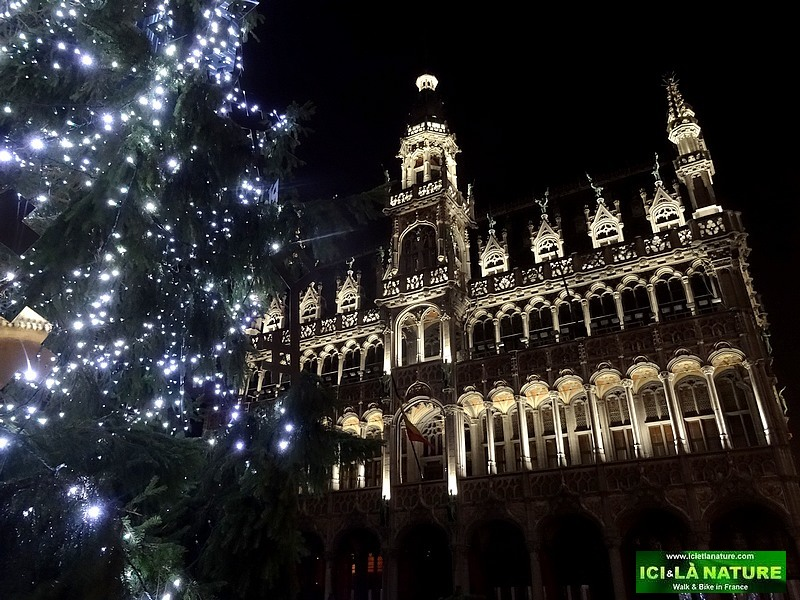 53-grand place brussels christmas time