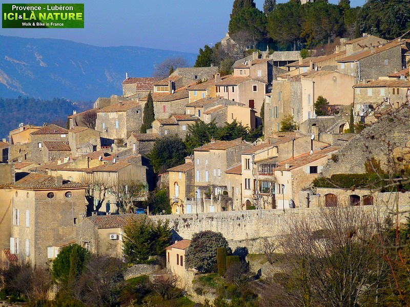 02-hiking holidays provence bonnieux
