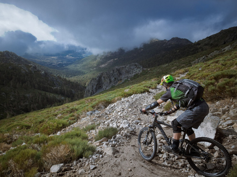 04-mountain-biking-spain