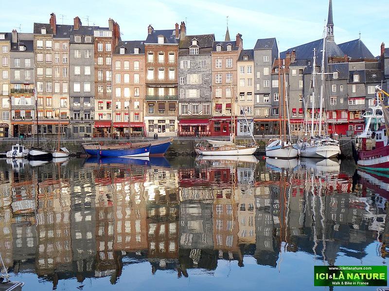 25-vieux port honfleur normandy
