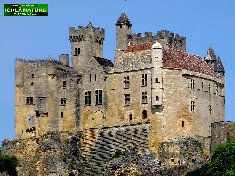 32- dordogne bike tours cycling holidays perigord