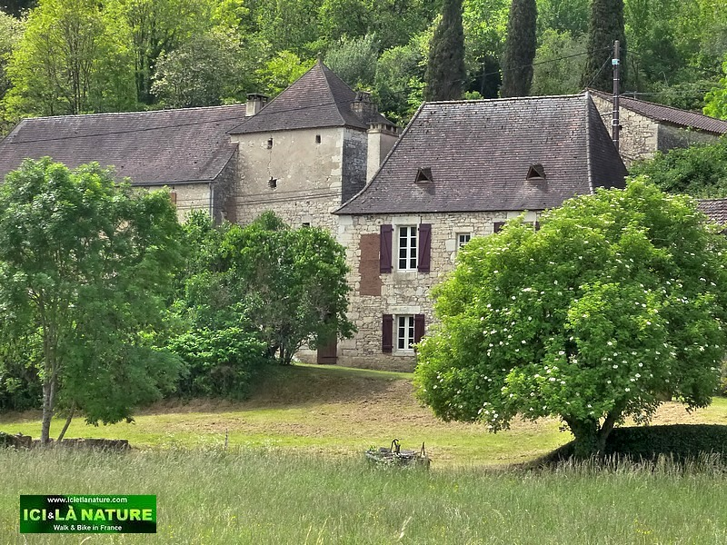39- dordogne cycling tours france