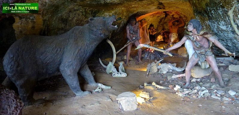 55-prehistoric cave dordogne perigord