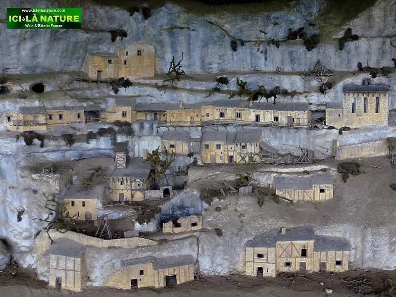 57-habitations troglodytes france
