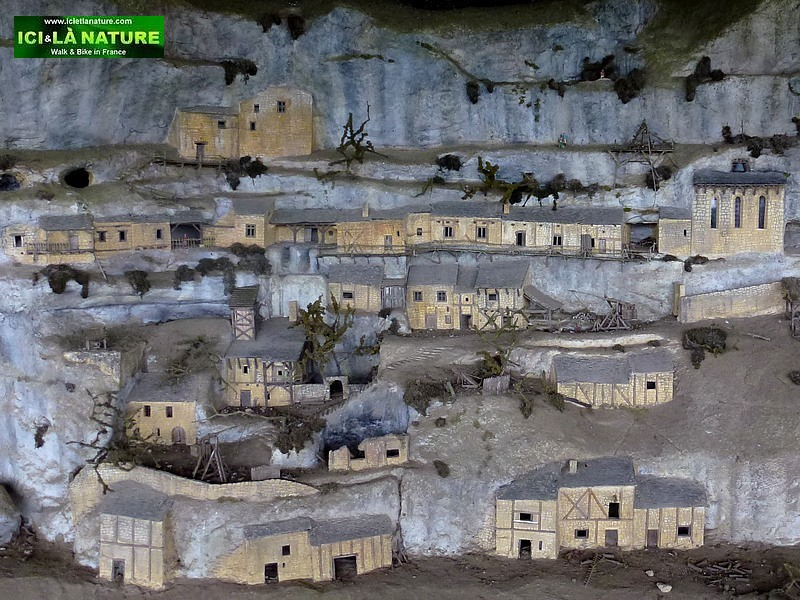 57-habitations troglodytes france