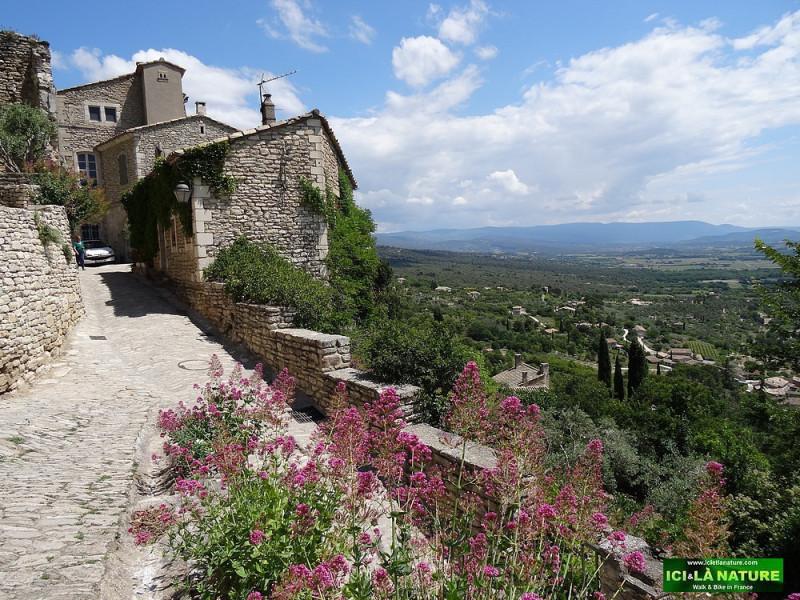 57-walking-provence-paths-gordes