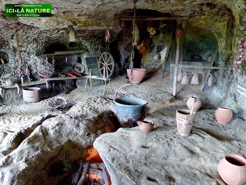 58- habitations troglodytes prehistoire