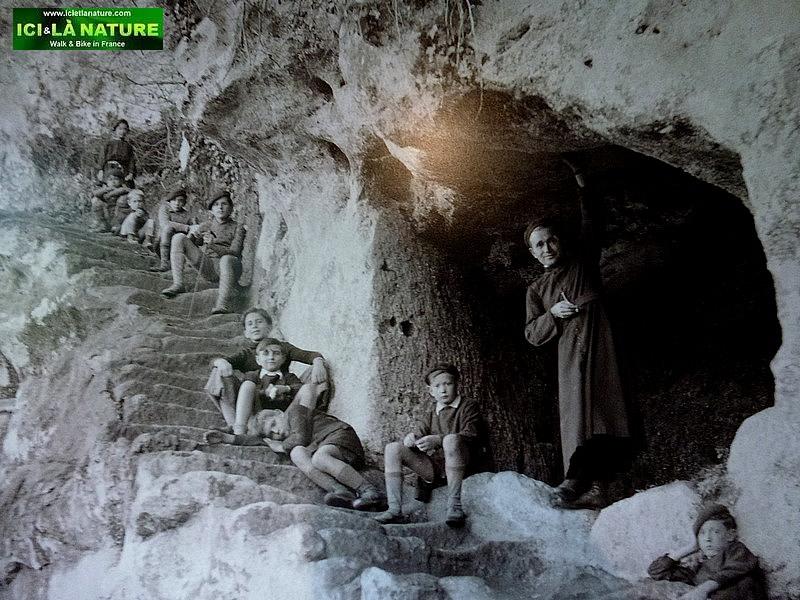 61-prehistoric cave france dordogne