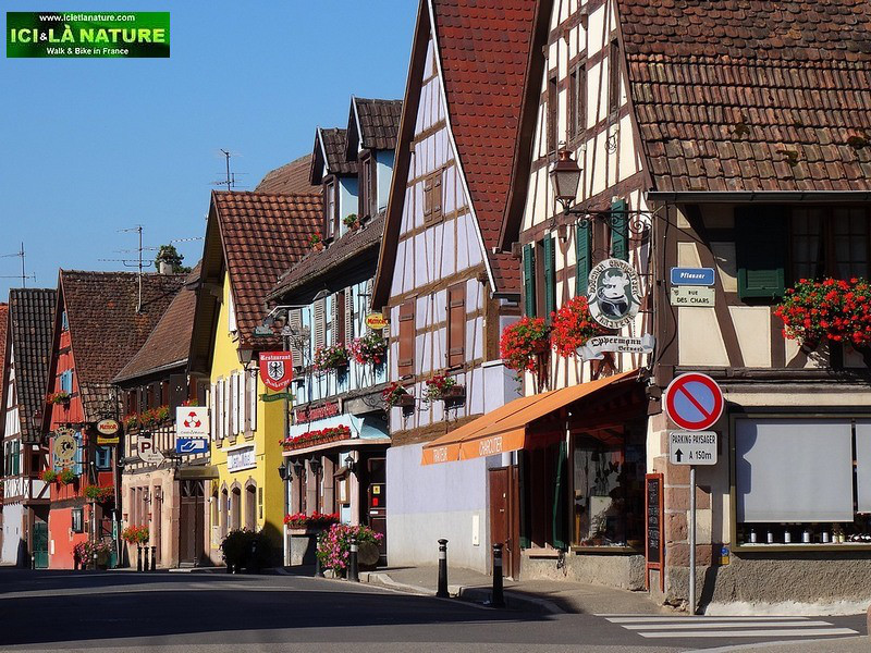 72-alsace-wine-road-traditionnal-village
