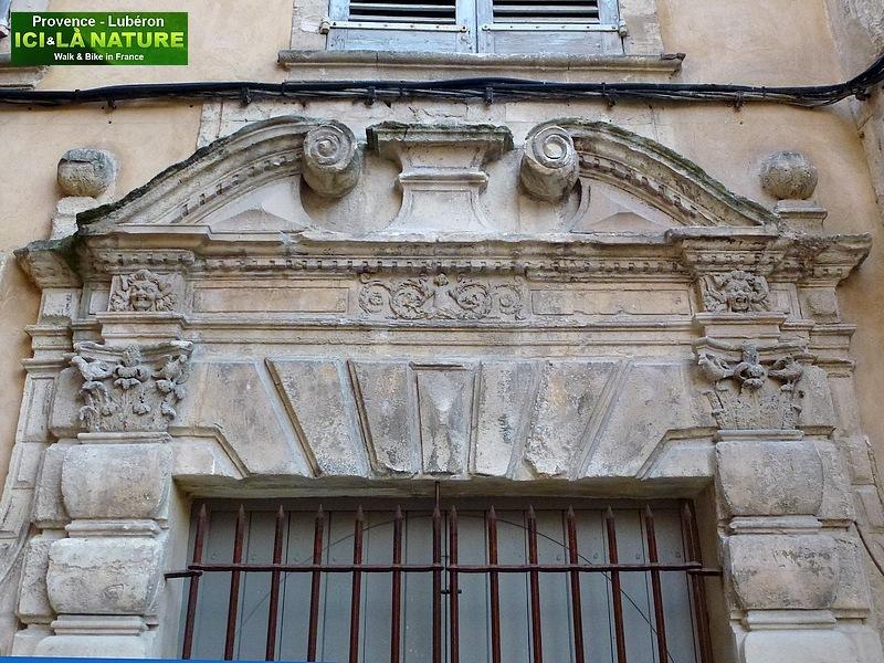 10-old door provence