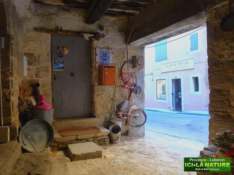 18-biking holidays lubéron provence