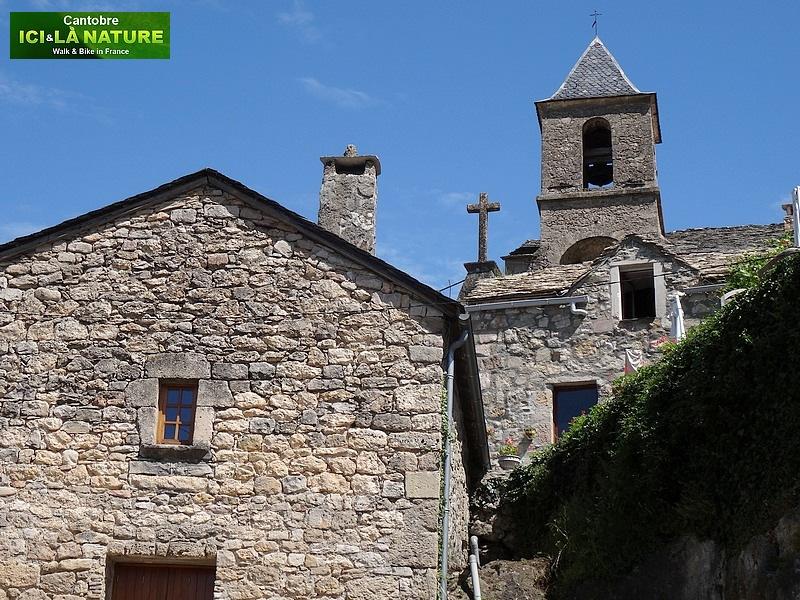 27-clocher eglise village montagne cevennes
