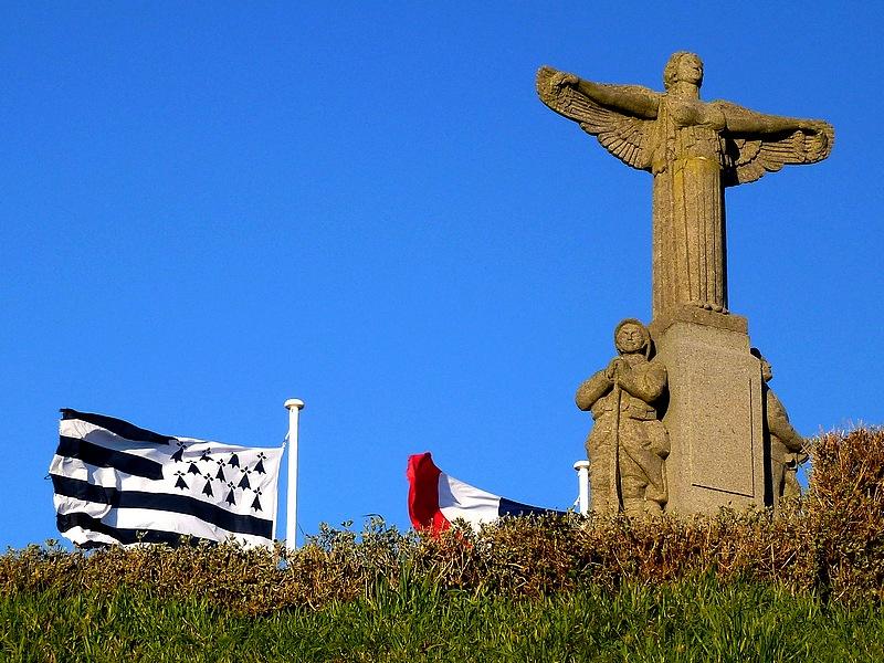 30-monument aux morts bretagne