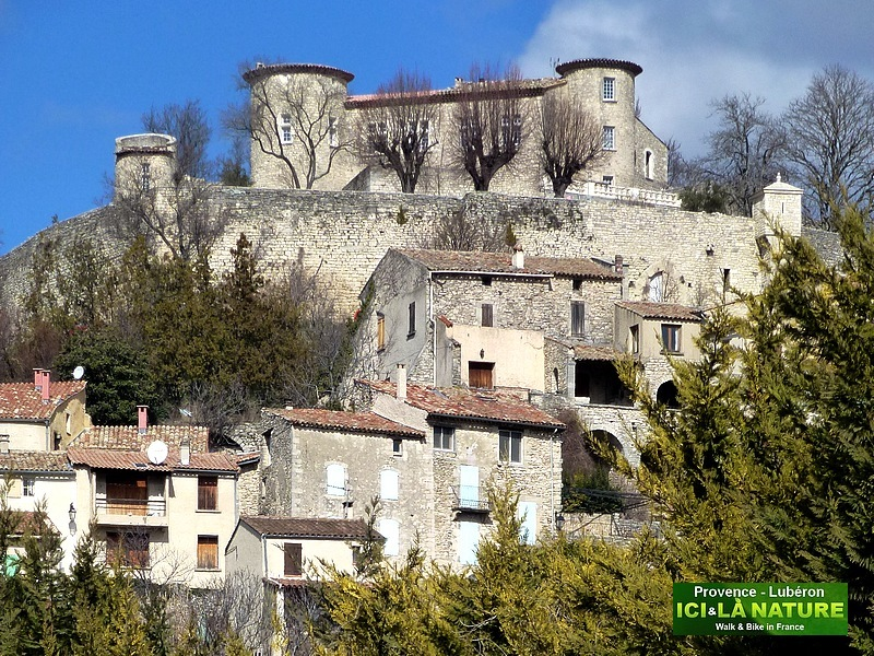 34-castle in provence mane